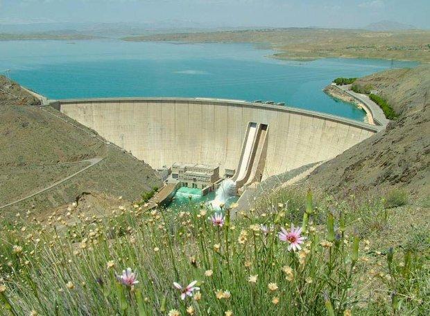ذخیره سد زایندهرود افزایش یافت/ هنوز 80 درصد مخزن خالی است